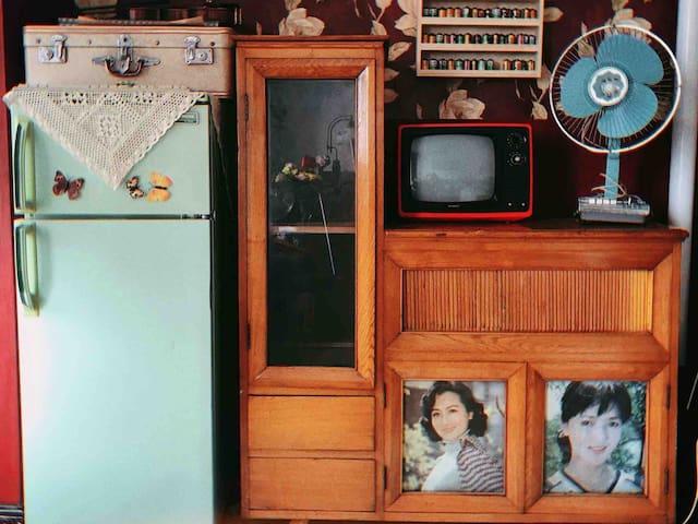 【向生招待所】复古港风客厅欧式公主卧室净月大学城毗邻净月潭 有空调投影仪 一室一厅