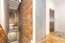 Stunning large Loft. Newly Renovated. Cozy 5 STAR