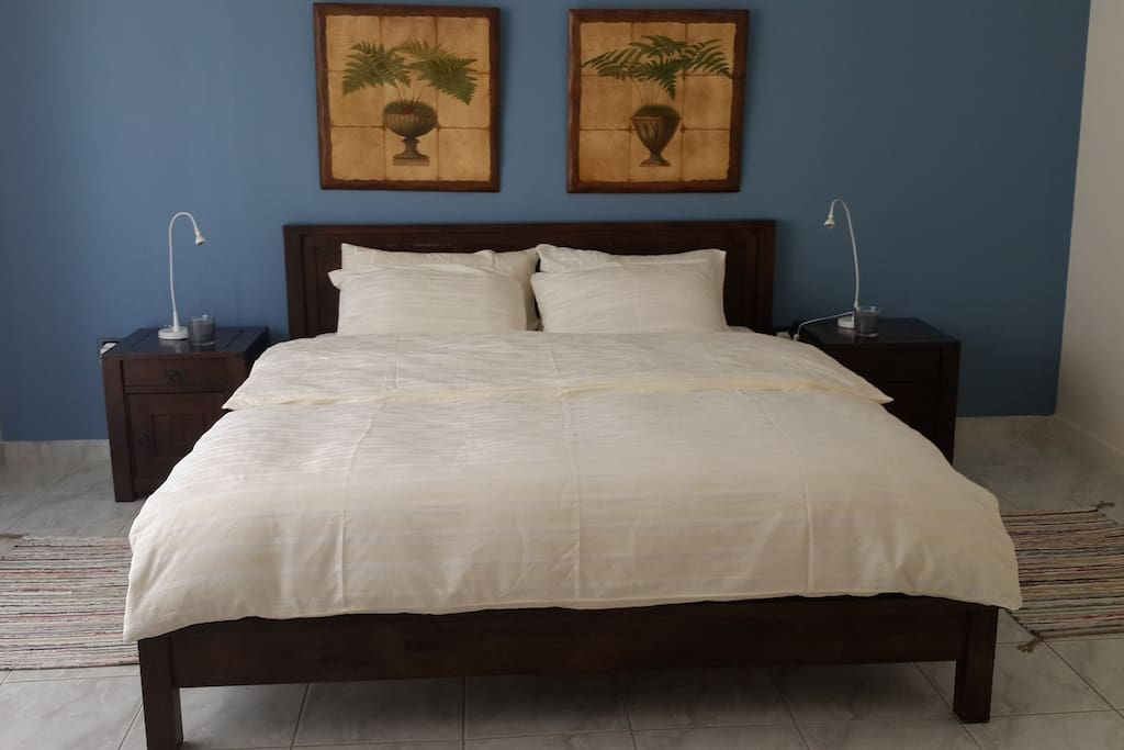 bed room with comfortable bed