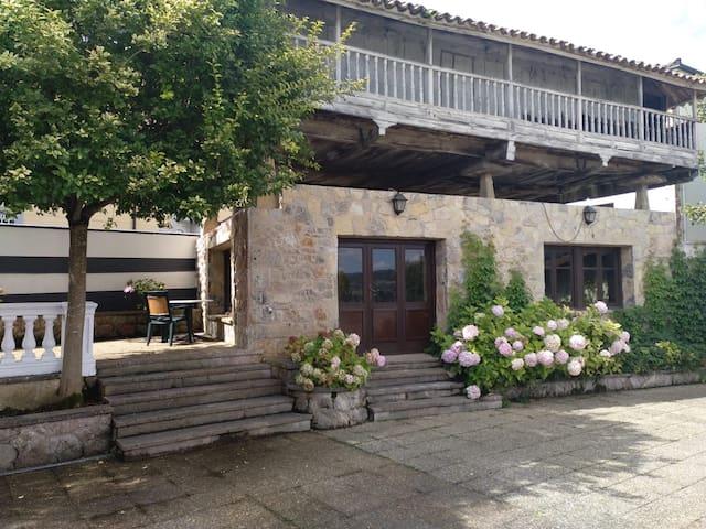 La Costana, Llanera