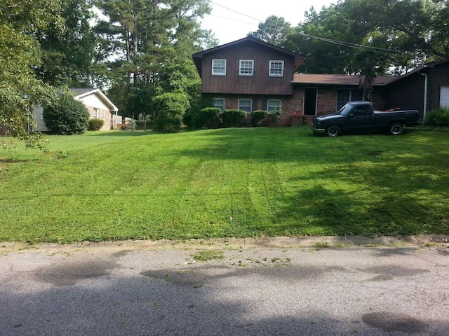 Cozy 1bd with lots of space & prkg - Lithonia