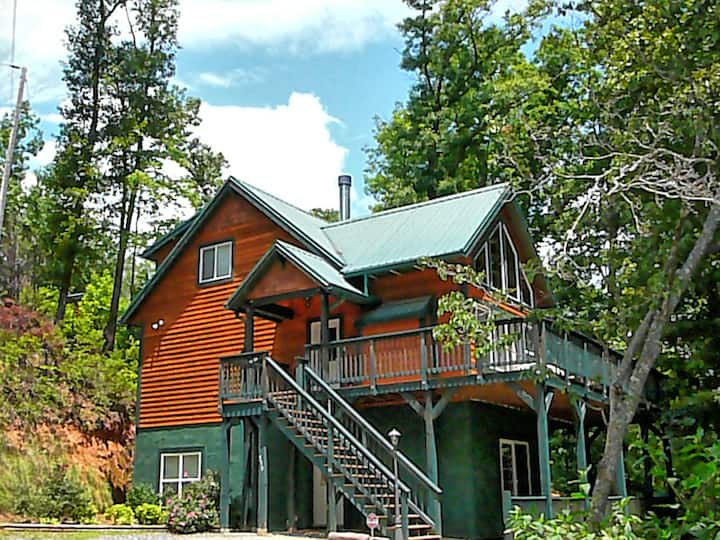 Holly Mtn Top Lodge