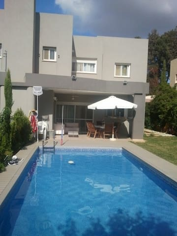Modern Villa with Swimming Pool - Tel Mond - House