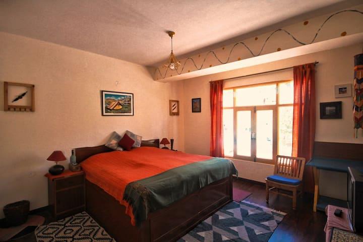 Superior Room · Elegantly Designed Room in Kaza at Deyzor, Spiti