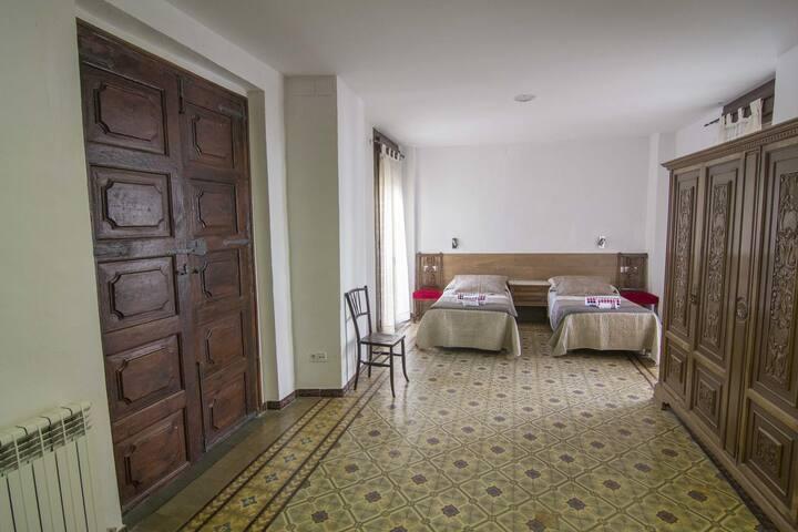 Casa Pio ( Tremp)