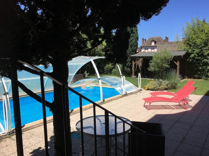 Maison de charme au coeur de la Sologne, piscine