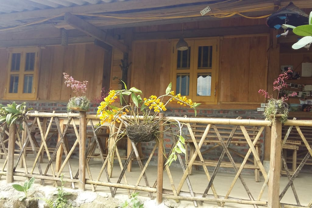 Set outside besides the stream and rice terrace