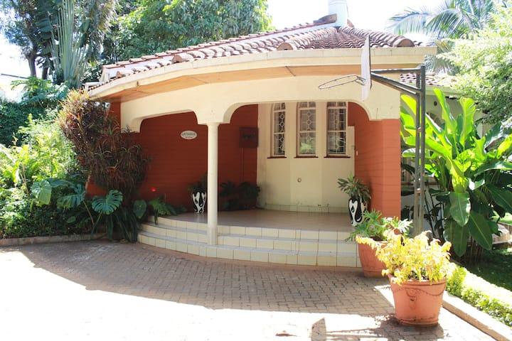 Homely  villa,40 min drive to Meru national park