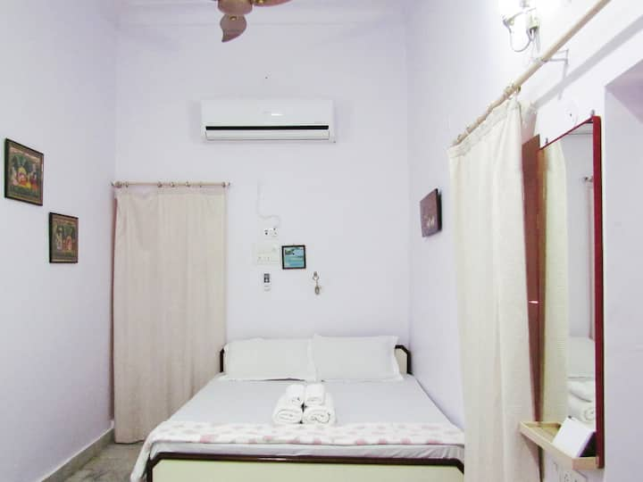 En Suite AC room in Heritage Bungalow 97