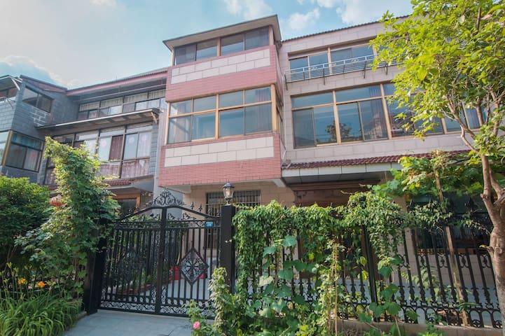 愚谷Hugo   来鹤台广场清新简约宽敞宁静的一套独栋小筑