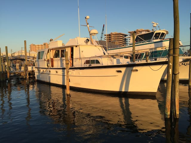50' Hatteras Yacht Floating Condo