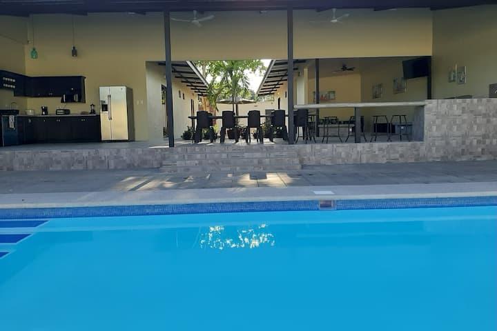 Villa Maui Casa Privada en Jaco Centro