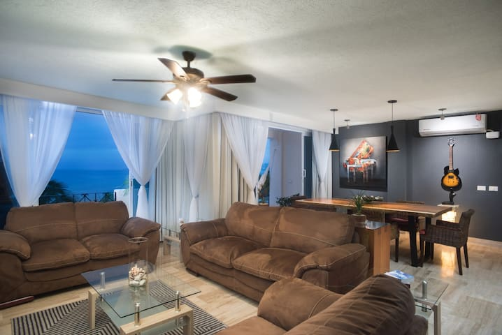 201 MALECON OCEANFRONT EXCLUSIVE CONDO2BD,DOWNTOWN
