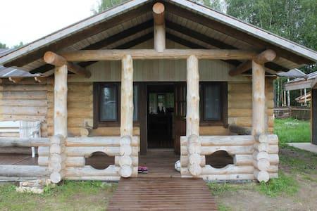 Дом на берегу Сиверского озера