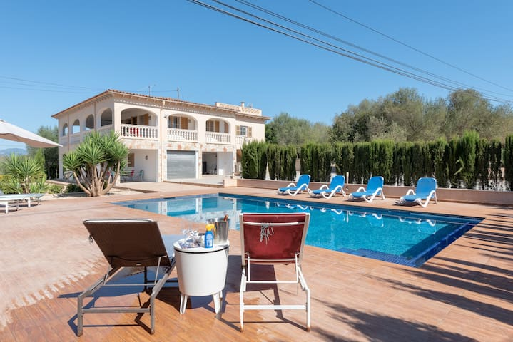 Finca candela 9PAX,pool, Wi-Fi, BBQ, near Palma ☼