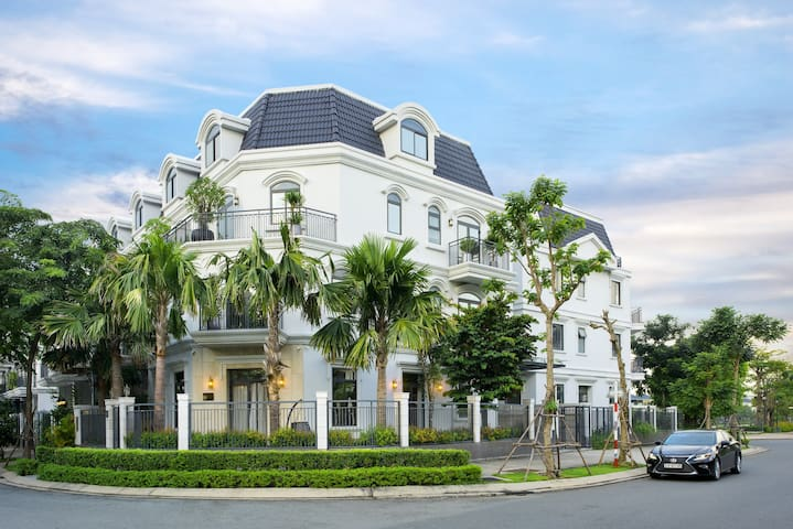 Icity Lakeview Saigon Villa - Luxurious villa
