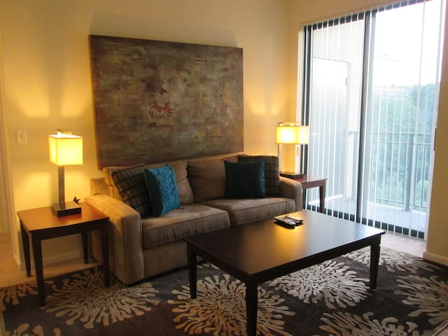 [1743-1]1BR At Merritt River Apt. - Norwalk - Leilighet