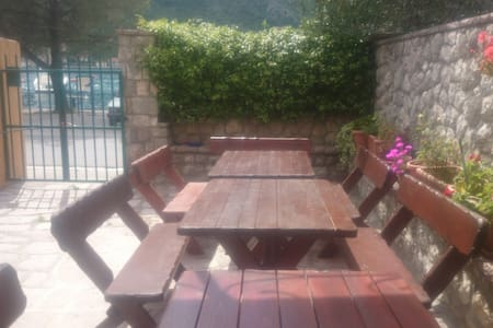 dobrota 89 threebed room - Kotor - Bed & Breakfast