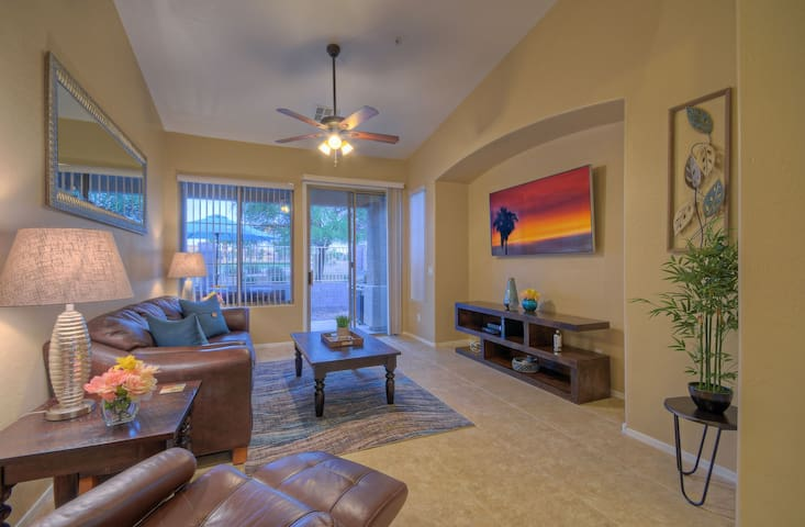 GOLFERS HAVEN: Golf Course 1st Floor Condo; Htd Community Pool/Spa