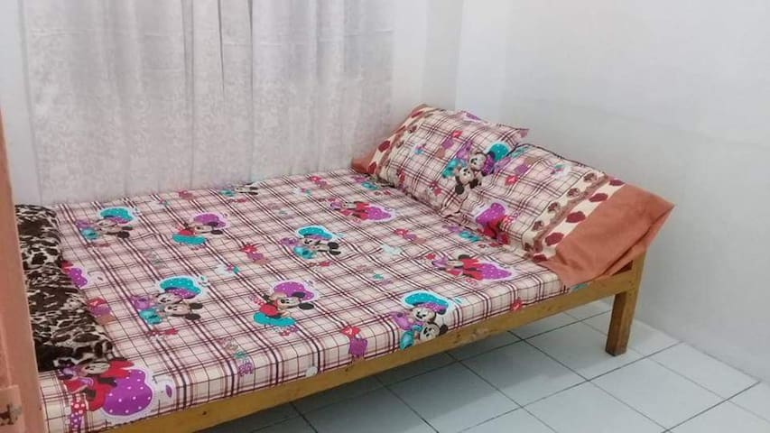 Maroon H apartment
