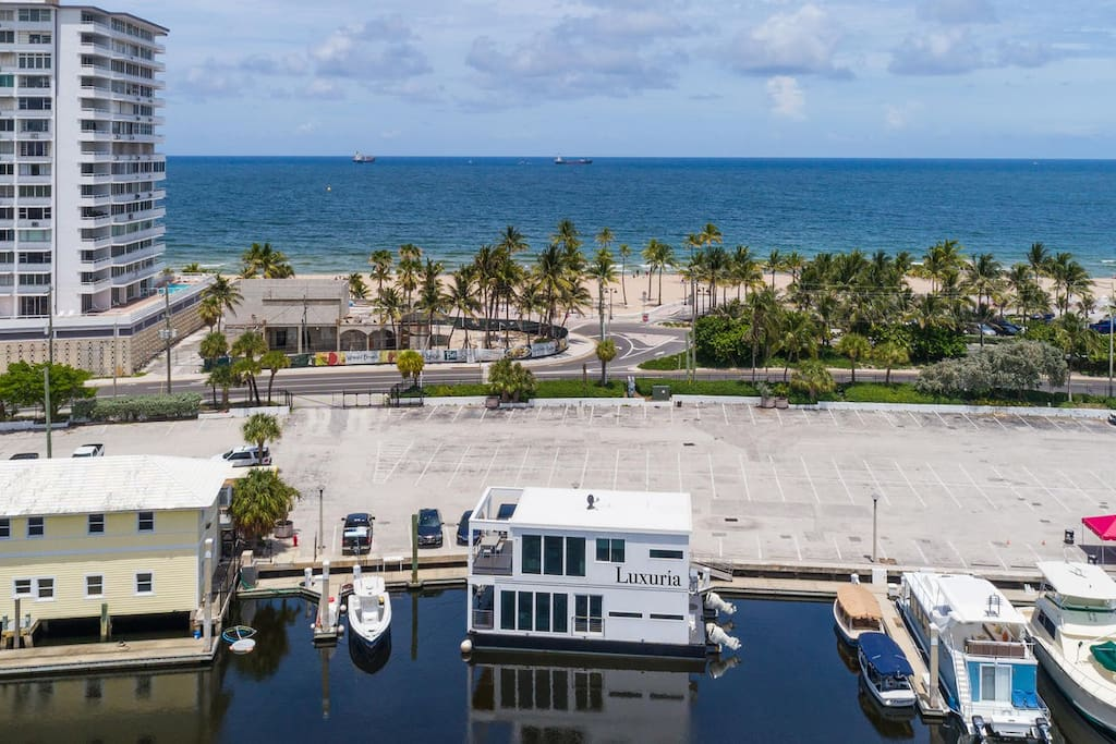 Walking distance to Fort Lauderdale Beach