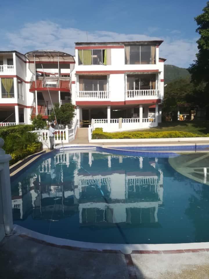 Apartamentos privados con piscina, sauna y turco