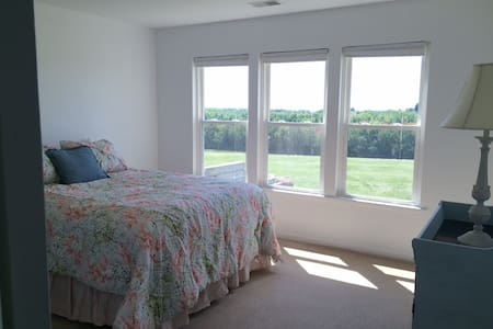 Orchard Ridge Retreat with a View to Remember! - Ellsworth - Annat