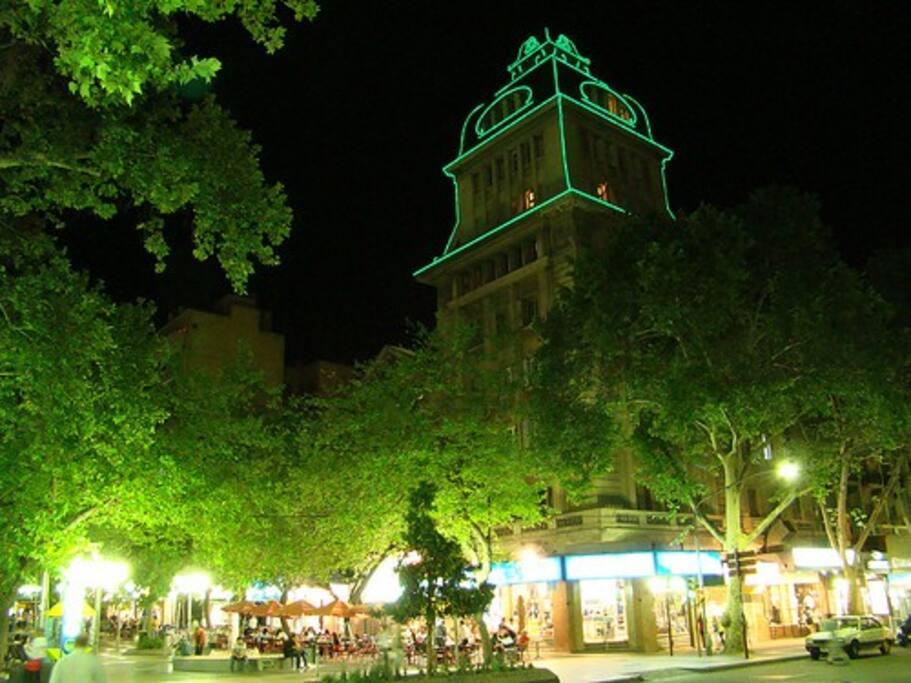Peatonal de Mendoza. Pasaje San Martín (edificio histórico)