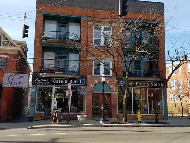 Clifton Gaslight - Cozy 1 Bedroom on Ludlow Ave #7