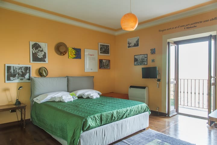 IPAZIA, camera nel coliving Home 4 Creativity