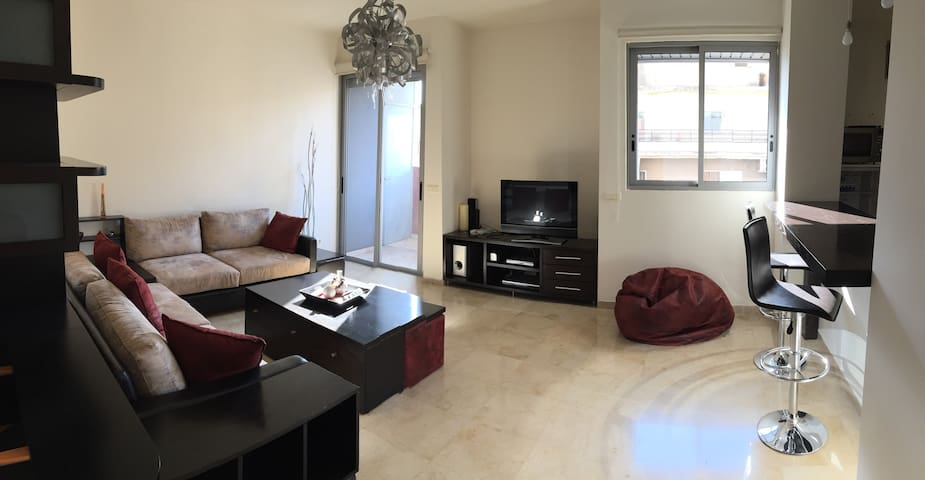 Furnished & centrally located 1BR