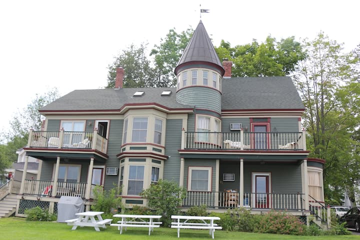 Elegant condo on the water in downtown Wolfeboro!