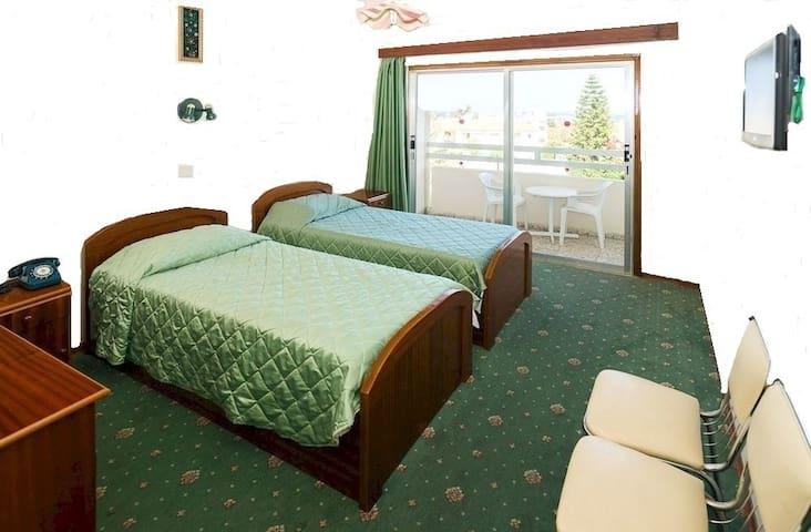 Marion Hotel (Rates for Double B/B) - Poli Crysochous - Aamiaismajoitus