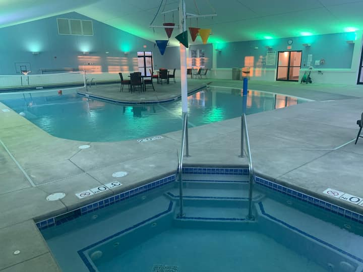 *INDOOR POOL* Egg Harbor Townhouse condo-Unit 21