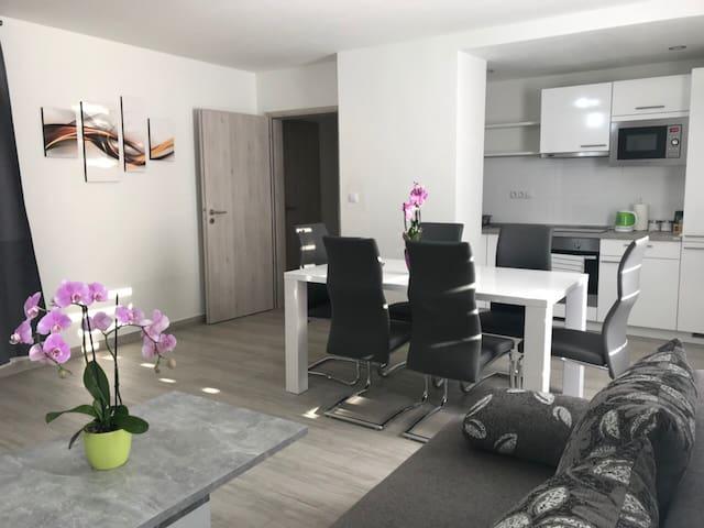 Panorama Apartment 9