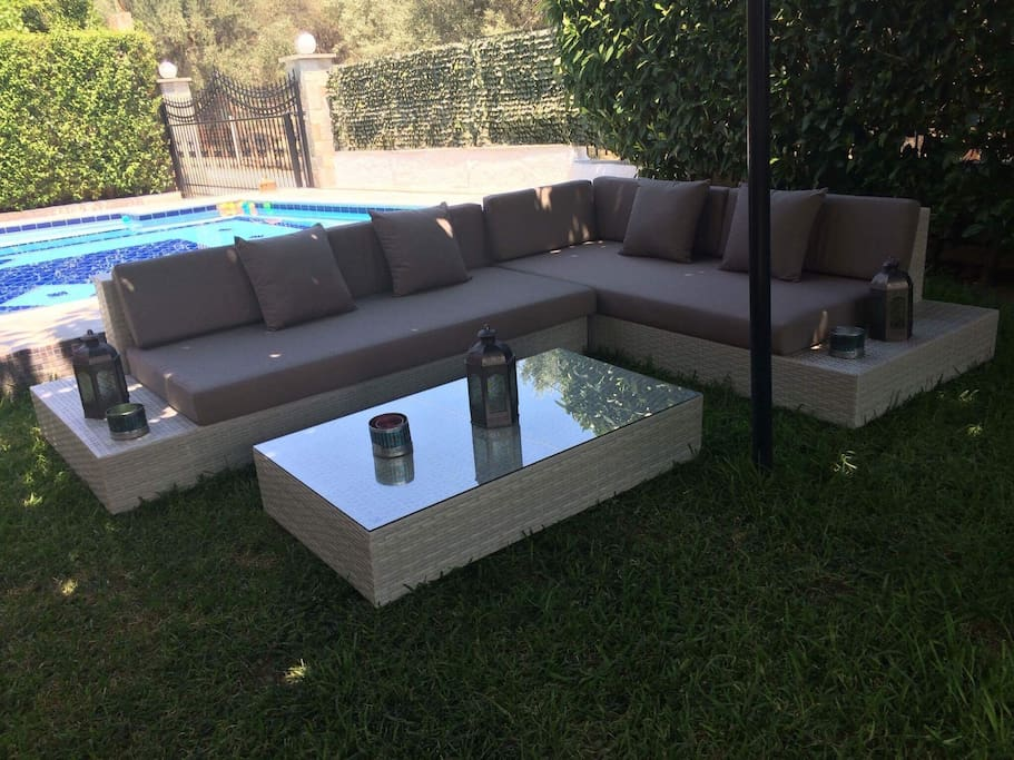 Garden pool relaxation area
