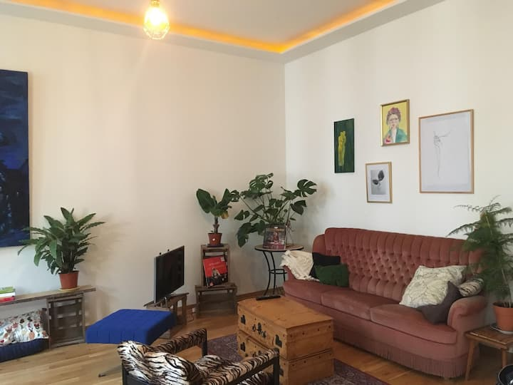 Pretty and cosy apartment in Waldstraßenviertel