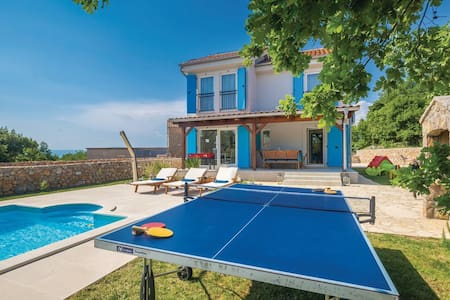 Villa Dory with heated pool,gym & kids playground