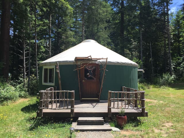 Forest Farm YURT with Sauna and Treehouse