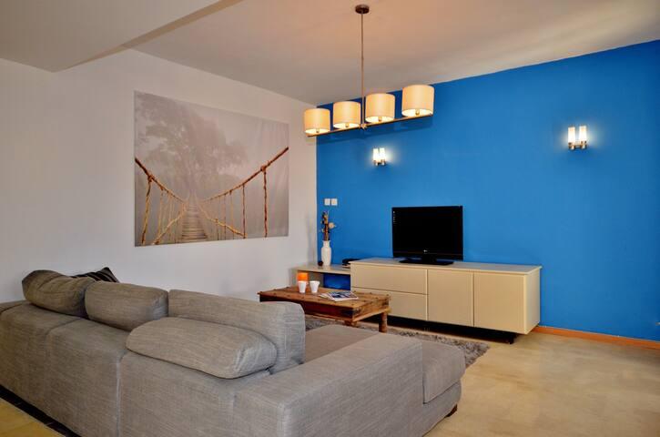 Torri Katur Apartment 3 Room 3, Shared Common Areas