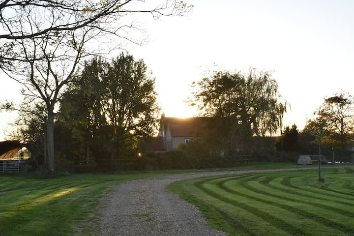 Barrow Farm/Pear Lodge