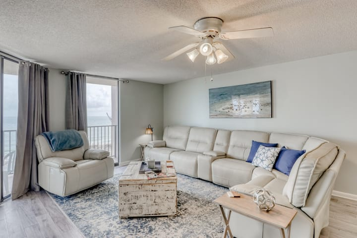 Beach front condo w/ beautiful Gulf views, shared pool/hot tub, & large balcony!