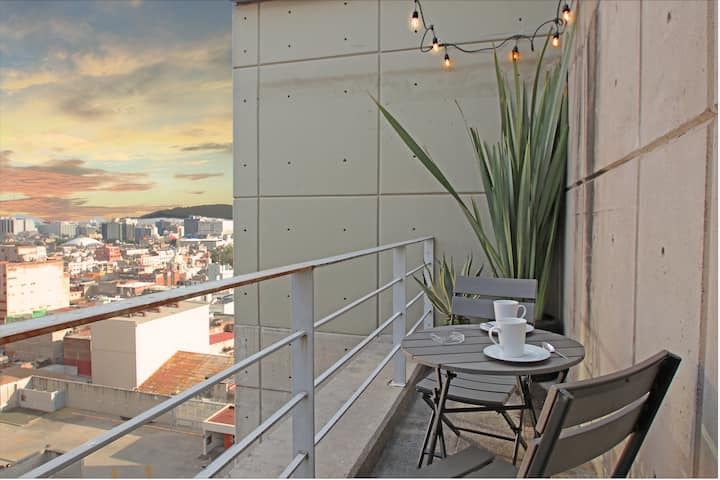 5 Rooms Penthouse /amazing view /Downtown