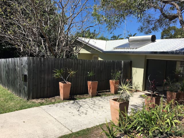 Caloundra Holiday Home with hotel facilities