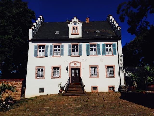 """Schloss Adelsberg - Wohnung """"Wern"""""""