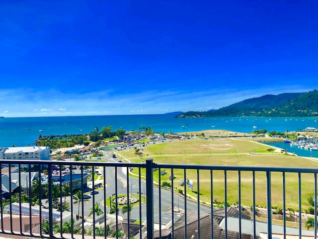 Location, Location, Location, Airlie Beach Central