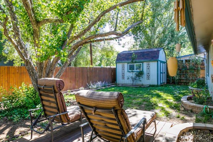 Mountain View Getaway ❣ | Yard | Fire Pit| Hwy 89
