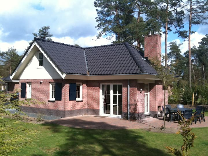 Holidayhome 8-10 persons, free WiFi, near Veluwe