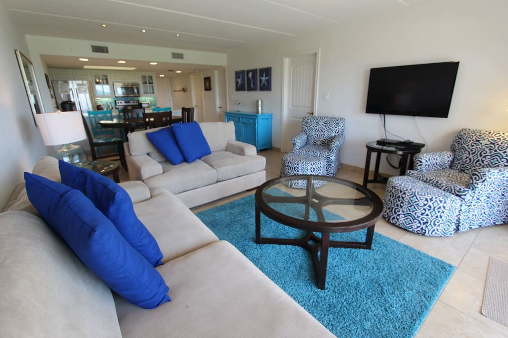 Great Room with Ample Seating