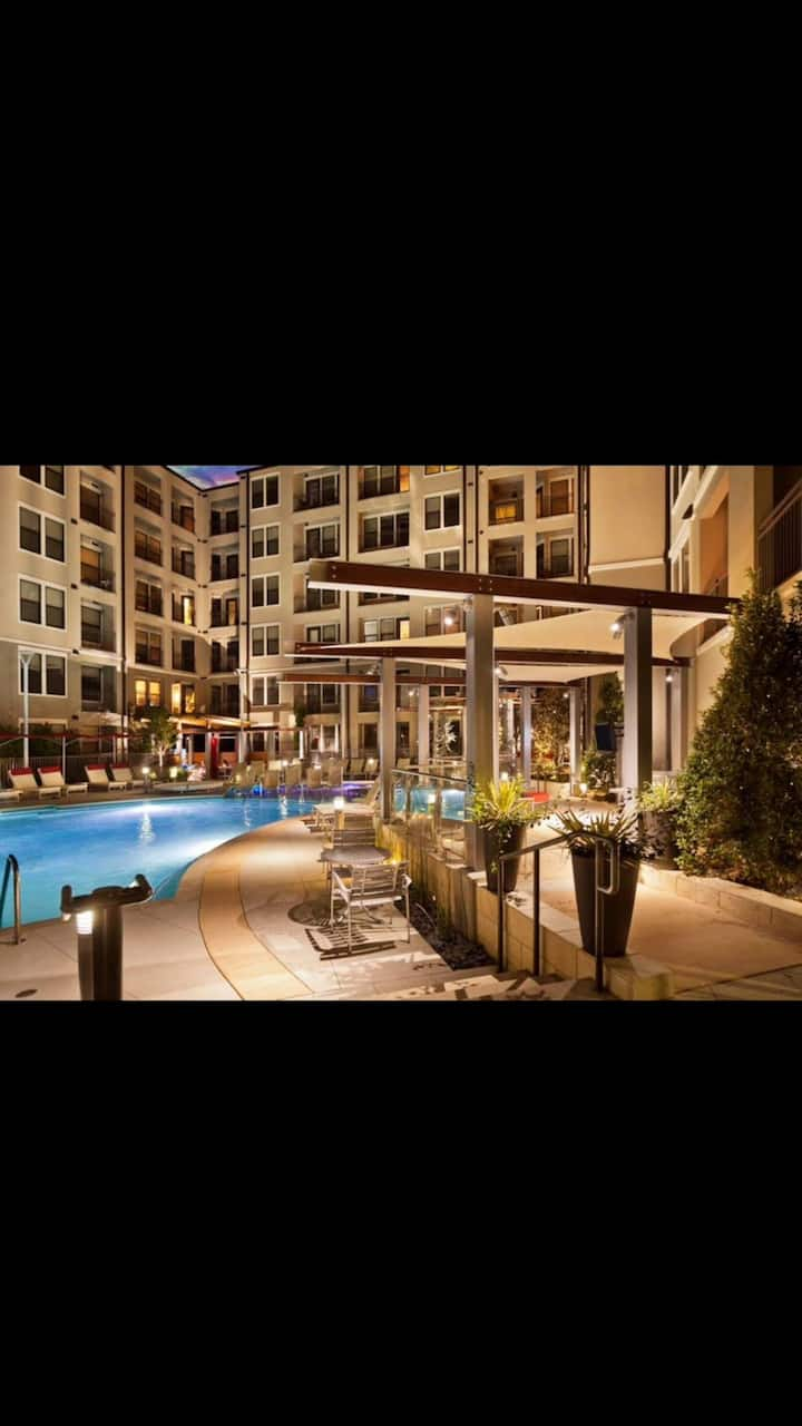 West End Oasis- Free Parking & Amazing Pool